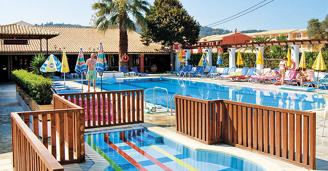 Hotel summertime korfu ecko ck blue style for Garten pool korfu 1